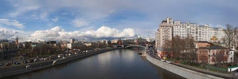 Moskva flod, Moskva, rysk federal stad, rysk federation, Ryssland Royaltyfri Fotografi