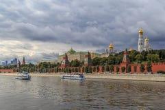 Moskva huvudstad av Ryssland, sikt av Kremlväggen Arkivbild