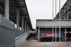 MOSKVA - Januari 27, 2018: Ljus färgrik behållare i territoriet av CSKA-arenan Arkivfoton