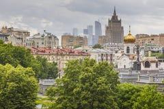 MOSKVA - JUNI 04, 2016: Moskva-stad (MoskvaInternational Busine Arkivfoto