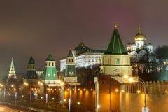 Moskva Kreml, Moskva, natt Royaltyfria Bilder