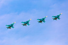 MOSKVA - MAJ 7: Strålkämpar gör show Royaltyfri Fotografi