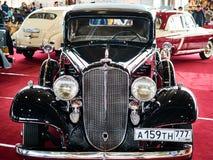 MOSKVA - MARS 09, 2018: Buick modell 57 1933 på utställningen Oldti Royaltyfri Foto