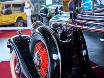 MOSKVA - MARS 09, 2018: Buick modell 57 1933 på utställningen Oldti Royaltyfri Fotografi