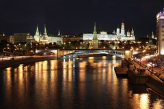 Moskva river, Big Stone Bridge and Moscow Kremlin Palace with Churches Stock Images