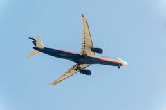 MOSKVA RUSSIA-13 03 2015 Namn för A330 Aeroflot av Fotografering för Bildbyråer