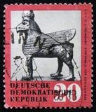 MOSKVA RYSSLAND - APRIL 2, 2017: En stolpestämpel som skrivs ut i DDR (ger Royaltyfria Bilder