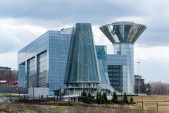 Moskva Ryssland - April 18, 2015 Huset av den MoskvaOblast regeringen Konstruktion av huset startades i 2004 och avslutade i 200 Royaltyfri Foto