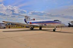 MOSKVA RYSSLAND - AUGUSTI 2015: passagerarestråle Yak-40 som framläggas på Royaltyfri Bild