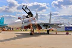 MOSKVA RYSSLAND - AUGUSTI 2015: pres för flanker-c för kämpeflygplan Su-30 Royaltyfri Bild
