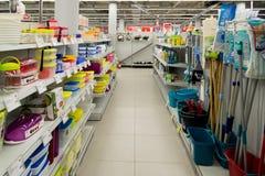 Moskva Ryssland - Februari 02 2016 Inre av eldorado är stora butikskedjor som säljer elektronik Arkivfoto