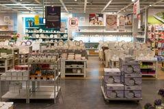 MOSKVA RYSSLAND - 24 09 2015 Inre av shoppar Hoff - en av det största ryska möblemangnätverket Royaltyfri Fotografi