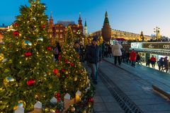 MOSKVA RYSSLAND - Januari 10 2018 Festivalen är turen till jul på den Manege fyrkanten Fotografering för Bildbyråer