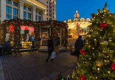 MOSKVA RYSSLAND - Januari 10 2018 Festivalen är turen till jul på den Manege fyrkanten Arkivbild