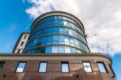 MOSKVA RYSSLAND - Juli 24 2017 Administrativ kontorsbyggnad på Trubnaya gata 2 Arkivbild