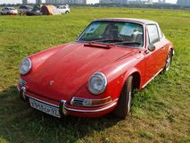MOSKVA RYSSLAND - Juli 15, 2008: Autoexotic för Porsche 911 utställning` 2008 `, Arkivfoton