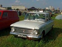 MOSKVA RYSSLAND - Juli 15, 2008: `-Moskvich ` - 408, sovjetisk Autoexotic för bilutställning` 2008 `, Arkivbilder