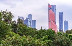 MOSKVA RYSSLAND - JUNI 15, 2019: Mercury City Tower i den internationella affärsmitten för Moskva, Moskva, Ryssland royaltyfri bild