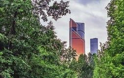 MOSKVA RYSSLAND - JUNI 15, 2019: Mercury City Tower i den internationella affärsmitten för Moskva, Moskva, Ryssland royaltyfria foton