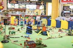 Moskva Ryssland, 24 11 2017 lekplats i ett stort shoppar Arkivfoton