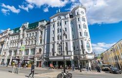 Moskva Ryssland - Maj 4 2019 Hus Sokolov p? den Myasnitskaya gatan landmark royaltyfria foton