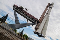 MOSKVA RYSSLAND - MAJ 20, 2009: Modell av raket Vostok på VDNKh (VVC) Royaltyfria Bilder