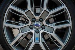 MOSKVA RYSSLAND - MAJ 20, 2017 VOLVO XC60 POLESTAR, framdel-sida sikt Prov av den nya Volvo XC60 polestaren Denna bil är AWD över Fotografering för Bildbyråer