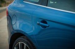 MOSKVA RYSSLAND - MAJ 20, 2017 VOLVO XC60 POLESTAR, framdel-sida sikt Prov av den nya Volvo XC60 polestaren Denna bil är AWD över Arkivbild