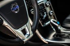 MOSKVA RYSSLAND - MAJ 20, 2017 VOLVO XC60 POLESTAR, ineriorsikt Prov av den nya Volvo XC60 polestaren Denna bil är AWD kompakt cr Royaltyfria Foton
