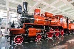 MOSKVA RYSSLAND - mars 11 2017 Ångalokomotiv U127 - minnesmärke av ingen vetenskap och teknik av rysk federation Museum 350 av Arkivfoto