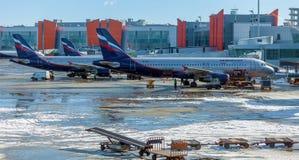 MOSKVA RYSSLAND - MARS 22, 2012: Flygbuss A320 av Aeroflot på Fotografering för Bildbyråer