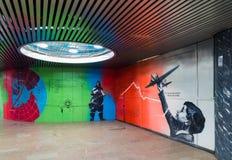 Moskva Ryssland - mars 10 2016 Grafitti på tema av flyget för Chkalov ` s från Moskva till Kanada via nordpolen i gångtunnel Royaltyfri Fotografi