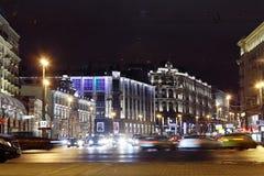 Moskva RYSSLAND - MARS 31: nattlandskap i tidig vår i centret i Moskva på mars 31, 2014 Arkivfoton