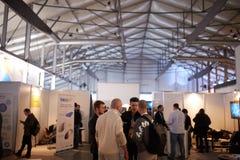 MOSKVA RYSSLAND - NOVEMBER 15-16, 2017 Blockchain och Bitcoin konferens Expo på den Sokolniki utställningmitten Royaltyfria Foton