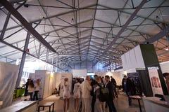MOSKVA RYSSLAND - NOVEMBER 15-16, 2017 Blockchain och Bitcoin konferens Expo på den Sokolniki utställningmitten Fotografering för Bildbyråer
