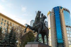 Moskva Ryssland - November 2 2017 Monument till rysk general Bagration för affärsmitten Tower-2000 Royaltyfri Bild
