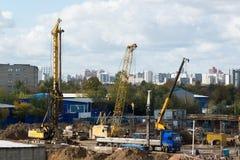Moskva Ryssland-Oktober 01 2016 En sikt av konstruktion med transport Arkivbild