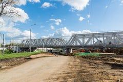 Moskva Ryssland-Oktober 01 2016 konstruktion av järnväg av den centrala cirkeln för Moskva Royaltyfria Bilder