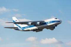 Moskva Ryssland - Oktober 31 sovjetisk lastnivå Antonov An124 Royaltyfria Foton