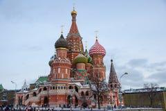 Moskva Ryssland, röd fyrkant av St-basilikas domkyrka Arkivbild