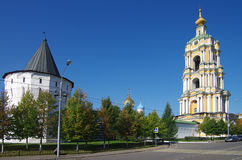 MOSKVA RYSSLAND - September 23, 2015: Novospassky kloster Royaltyfri Bild