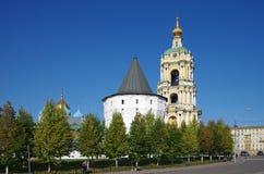 MOSKVA RYSSLAND - September 23, 2015: Novospassky kloster Arkivbilder