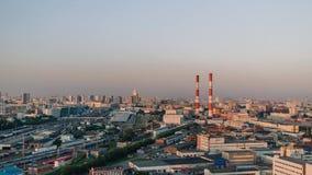 MOSKVA RYSSLAND - SEPTEMBER 30, Moskva: Solnedgång som upprättar Timelapse av det bostads- området i centrum av Moskva lager videofilmer