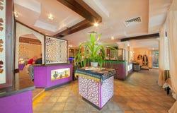 MOSKVA - SEPTEMBER 2014: Inre av den orientaliska restaurangen Royaltyfria Foton