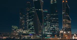 Moskva-stad affärsmitt på aftonen stock video