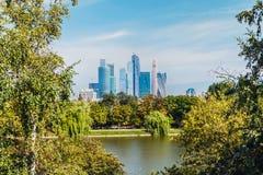 Moskva-stad för mitt för affär för skyskrapaMoskva internationell Arkivbild