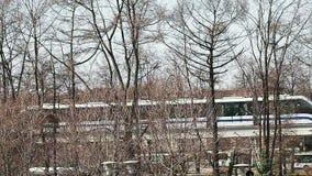 Moskvaenskenig järnvägdrevet i området av VDNH-utställningen arkivfilmer