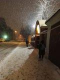 Moskvagator i vinter Arkivfoton