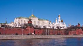 MoskvaKreml och floden arkivfilmer