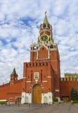 MoskvaKreml, röd fyrkant, Spasskaya torn på gryning Arkivfoto